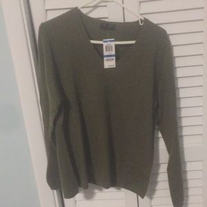 New with tags-olive green cashmere sweater